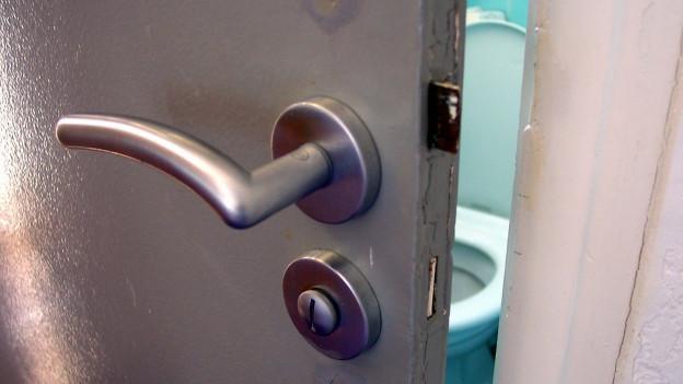 Bakterienherd Toiletten-Türfalle