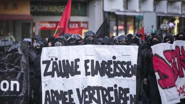 Demonstration gegen Militärübung