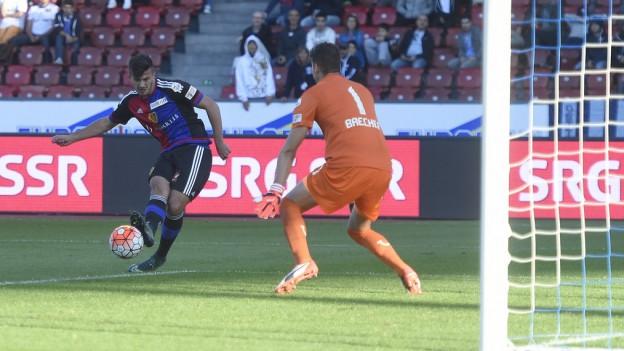 Albian Ajeti schiesst für FCB das 2:1.