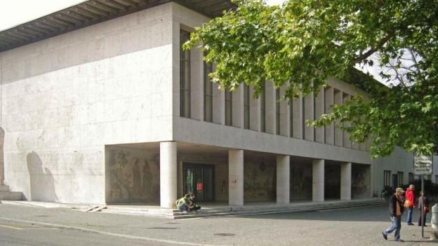 Universität Basel soll keine Fakultät schliessen, trotz Spardruck.