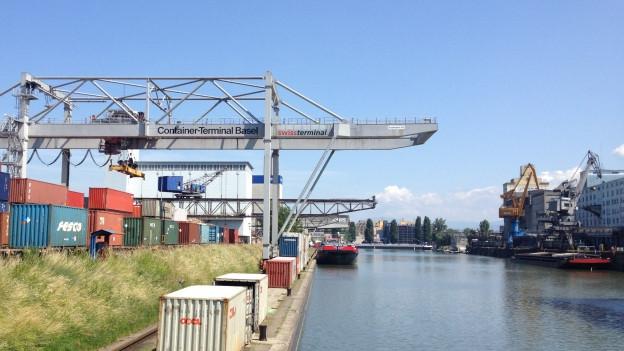 Die Drogen wurden gefunden, nachdem der Kapitän des Rheinschiffs die Polizei alarmierte.