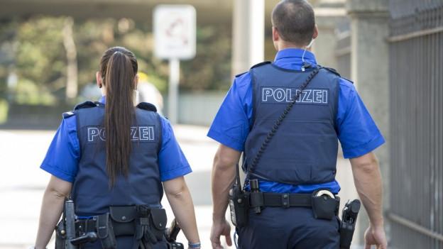 Polizisten im Einsatz sollen aktueller informiert sein.