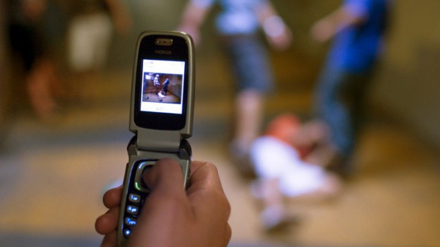Immer öfter werden auch Behinderte Opfer in den Social Media.