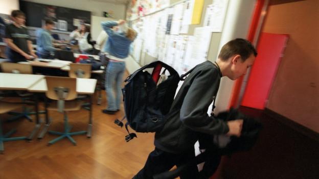Zwei Schüler in Therwil verweigerten den Händedruck