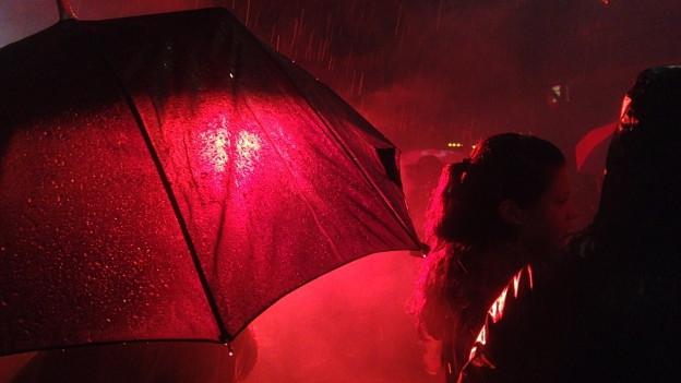 Feierstimmung trotz Regen: FCB-Fest auf dem Barfüsserplatz.