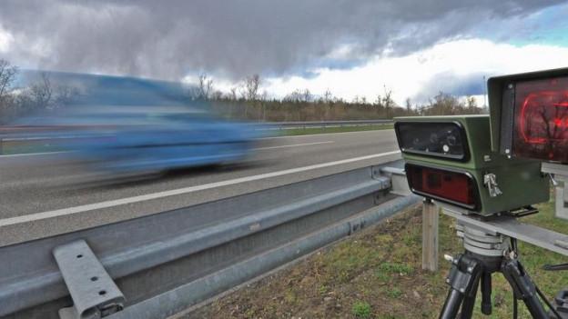 Auf der Höhe Bad Bellingen wurden letzte Woche innert vier Stunden über 1000 Autos geblitzt.
