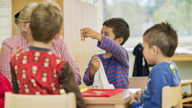 In Basel sollen Kindergartenkinder Freude an Mundart haben.