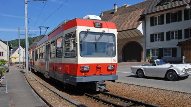 Nun sind auch die gefährlichen Übergänge der Waldenburgerbahn gesichert.