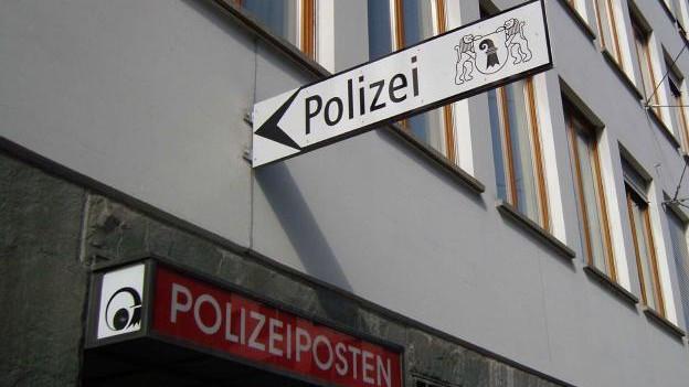 Polizeischild am Spiegelhof