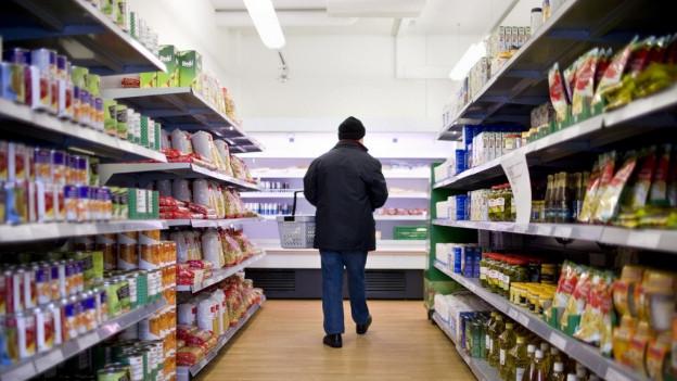 Working Poor können in Läden von Hilfswerken günstig einkaufen