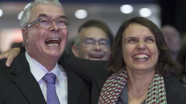 Haben gut lachen - Christoph Brutschin (SP) und Elisabeth Ackermann (Grüne, neu) sind gewählt