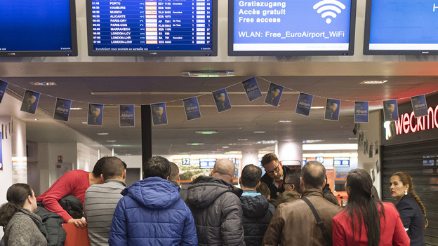Konfusion auf dem Euroairport nach Absturz