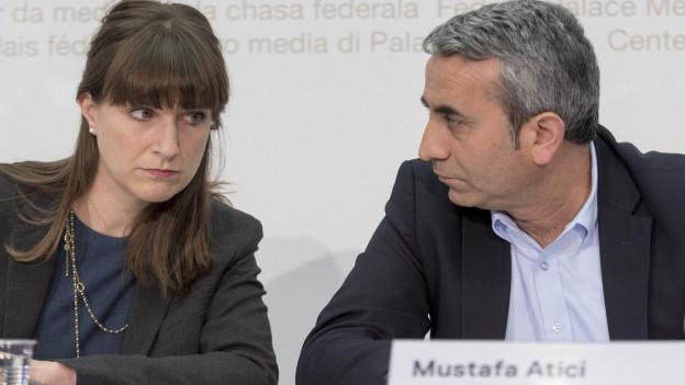 Mustafa Atici an einem Podium