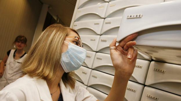 Im Basler Unispital gilt eine verschärfte Mundschutzpflicht