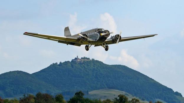 Der Ausflug mit dem Oldtimer-Flugzeug wird kritisiert