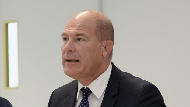 Finanzdirektor Anton Lauber sucht nach einer Lösung, die Rentenkürzung zu verhindern.