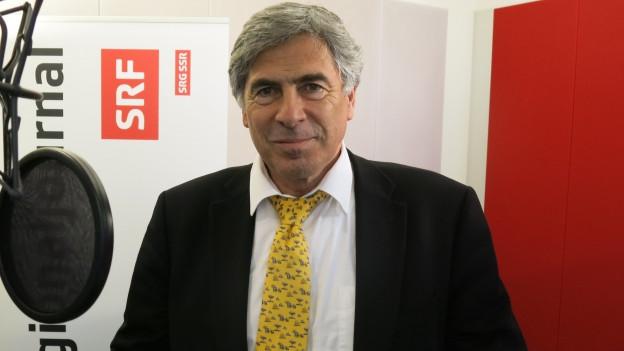 Christoph Eymann im Radiostudio
