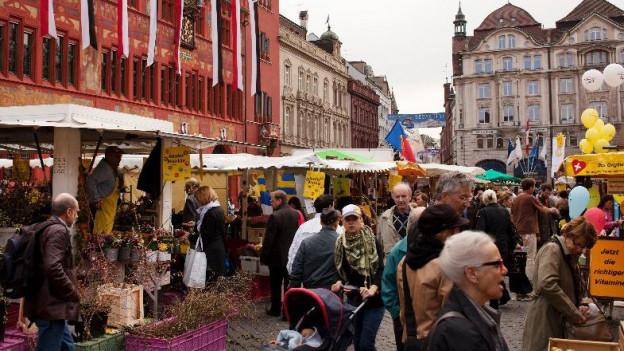Auf dem Marktplatz gibt es neu auch Essensstände