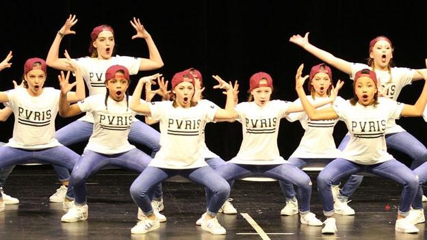 Erfolgreiche Basler Schultänzerinnen und -tänzer