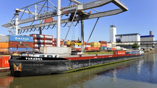 Rheinschifffahrt profitierte von Bahnunterbruch.