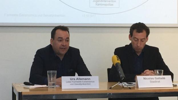 Urs Allemann, Leiter der Fachstelle, blickt mit Stadtrat Nicolas Galladé auf das erste Jahr zurück
