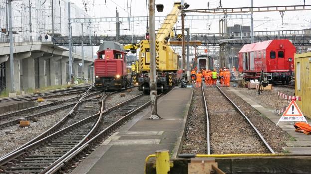 ICE im Basler Bahnhof entgleist