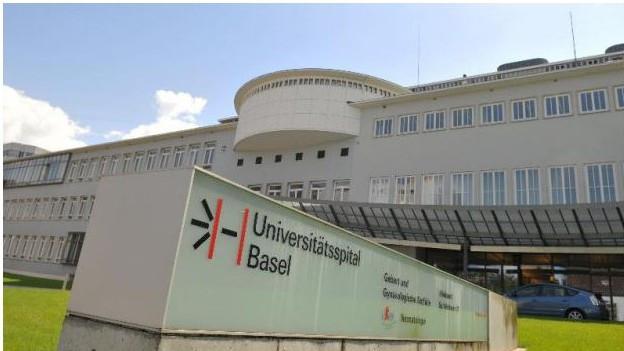 Eingang des Universitätsspital Basel