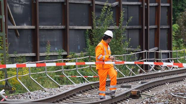 Bahnstrecke Basel-Karlsruhe unterbrochen
