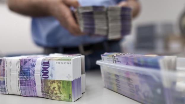 Geldnotenbündel