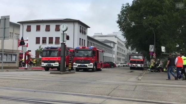 Feuerwehrfahrzeuge am Hafen