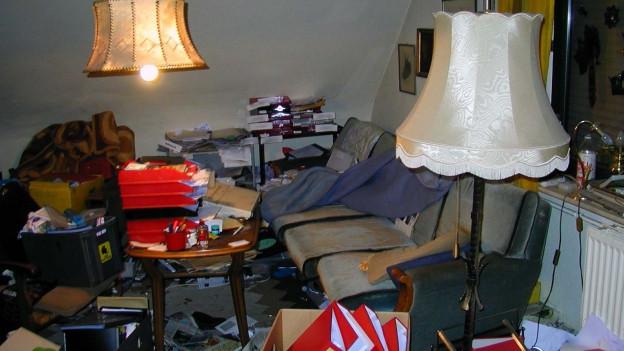 In den meisten Fällen liegt in den Wohnungen viel Abfall