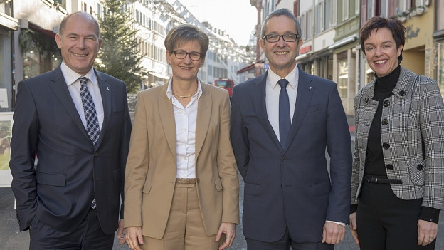 Anton Lauber, Sabine Pegoraro, Thomas Weber und Monica Gschwind stehen in Liestal.