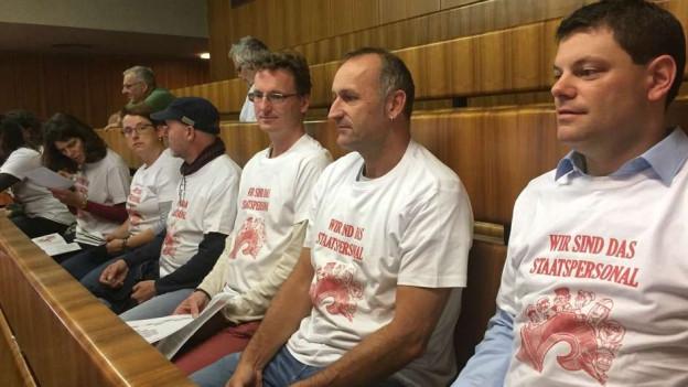 Staatsangestellte protestieren gegen Sparmassnahmen im Landrat