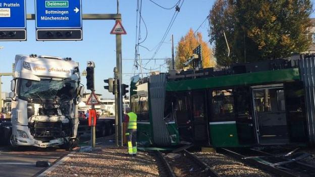 Unfall-Tram der BVB noch nicht repariert