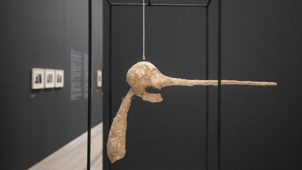 """Giacomettis Figur """"Die Nase""""."""