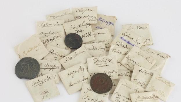 Die Münzen waren eingepackt und beschriftet von Jacob Burckhardt