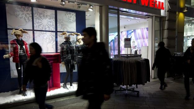 Läden sollen länger offen bleiben dürfen