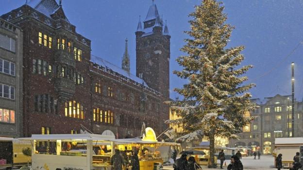 Weihnachtsbäume bald nur noch in der Basler Innenstadt?
