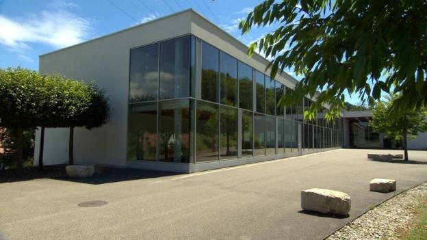 Nur noch etwa 60 Schülerinnen und Schüler werden im grossen Gebäude unterrichtet.