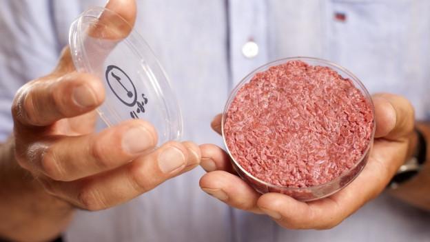 Gezüchtetes Fleisch hat Zukunft, sagt die Forscherin.