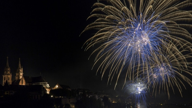 Höhepunkt um 23 Uhr ist das grosse Feuerwerk über dem Rhein