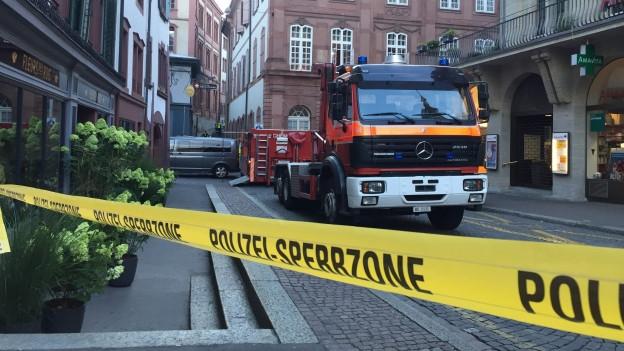 Feuerwehr und Polizei waren mit einem Grossaufgebot vor Ort