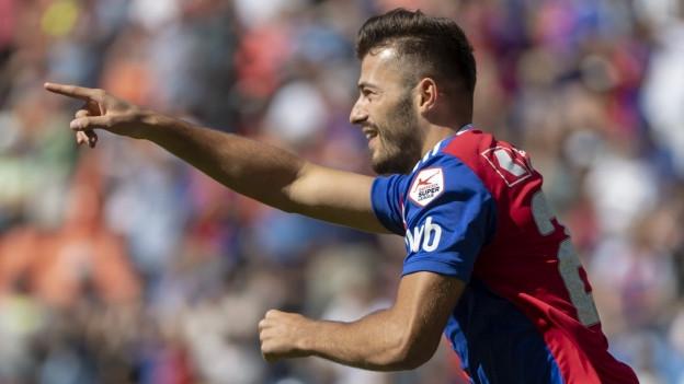 Albian Ajeti freut sich über das erste Tor gegen Sion