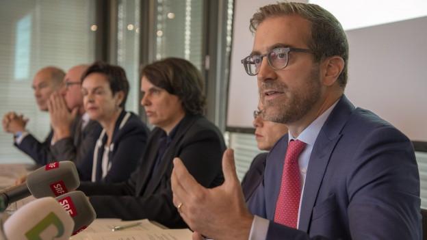 An einer gemeinsamen Medienkonferenz in Basel wurde das Resultat der Verhandlungen verkündet