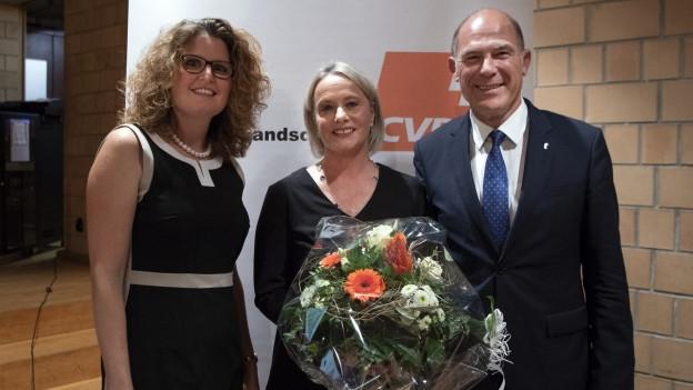 Elisaneth Schneider-Schneiter mit Parteipräsidentin und Regierungsrat