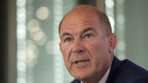 Finanzdirektor Lauber will mit der Umsetzung für internationale Unternehmen attraktiv bleiben.
