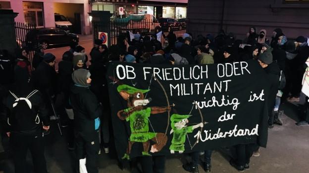 Vor dem Strafgericht demonstrierten Sympathisanten