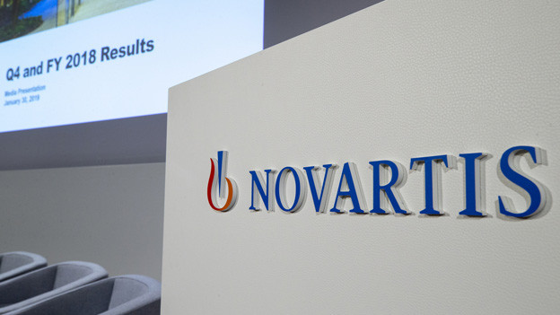 Novartis Logo bei Präsentation