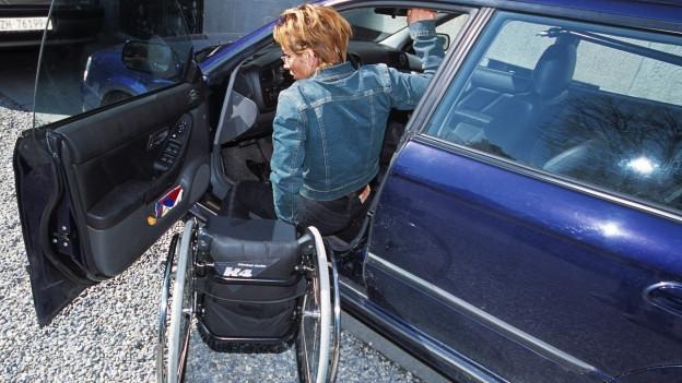 Pendler, die auf den Rollstuhl angewiesen sind, können neu mehr Steuerabzüge machen