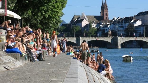 Am Rhein wurde der Mann zu Tode geprügelt.